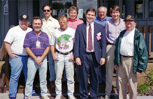 M. Cohen at CCAFS Hangar with WFPC2 Oct. 1993 (133,874 bytes)