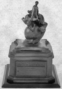 The Collier Trophy  (151,981 bytes)