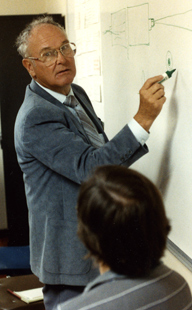 Tom Johnson at Celestron Feb. 1987 (49,296 bytes)
