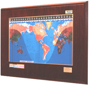 Geochron Boardroom Model in Mahogany finish (79,294 bytes)