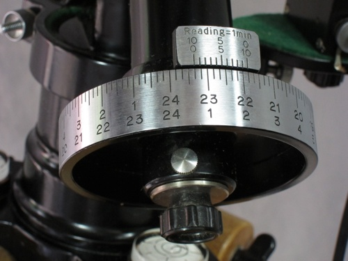 Unitron Model 142 Mount Head Right Ascension Setting Circle (61,248 bytes)
