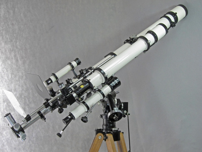 Unitron 3 inch Photo Equatorial telescope right side view (53,541 bytes)