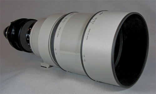 Tochigi Nikon 300mm T2.2 lens with HK-29 Lens Hood (52,965 bytes)