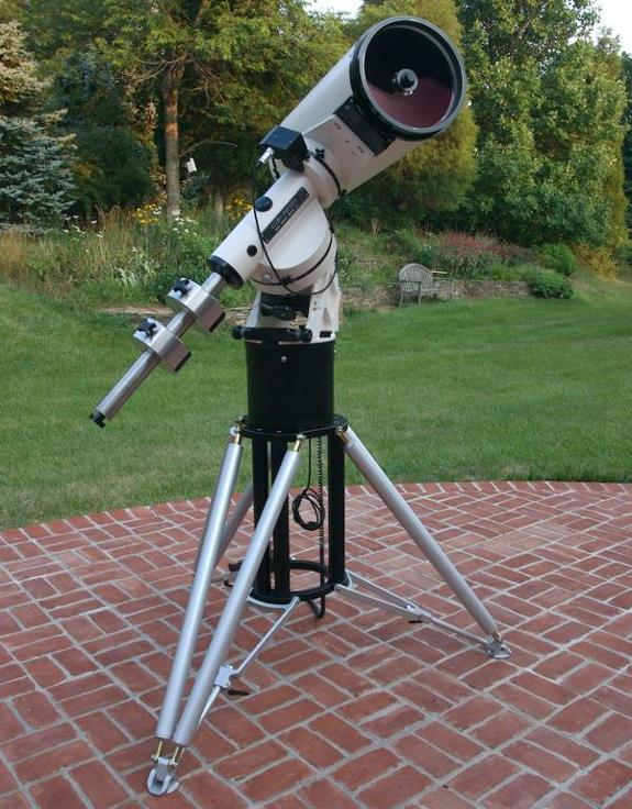 Astro-Physics 10 Inch Telescope on 1200GTO with Pinnacle Tripod (123,402 bytes)