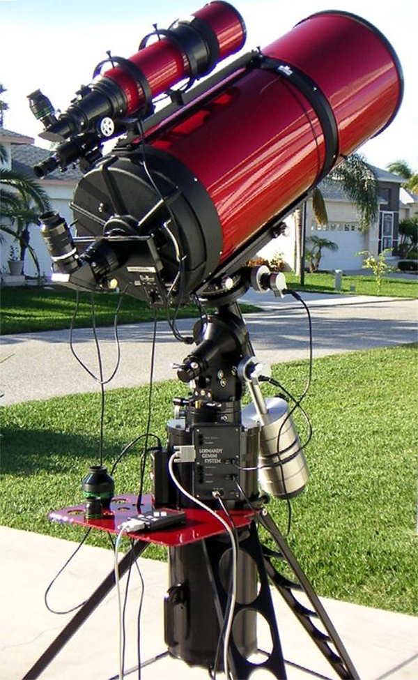 Losmandy G-11 Gemini with Celestron 14 on PWTEC Monolith tripod (382,738 bytes)