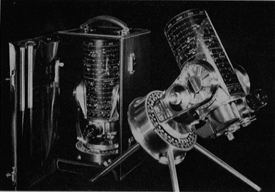 Questar Standard Telescope of 1956 in Case, and in Pole Align tabletop tripod (84,404 bytes)