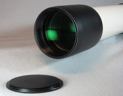 Objective lens of TeleVue NP101is Apo Telescope, 2011 model (47,312 bytes)